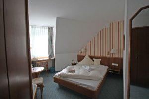 Zimmer-300x200-1